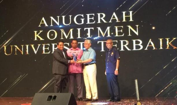 Congress Awards Ceremony Ambassador Jauhar