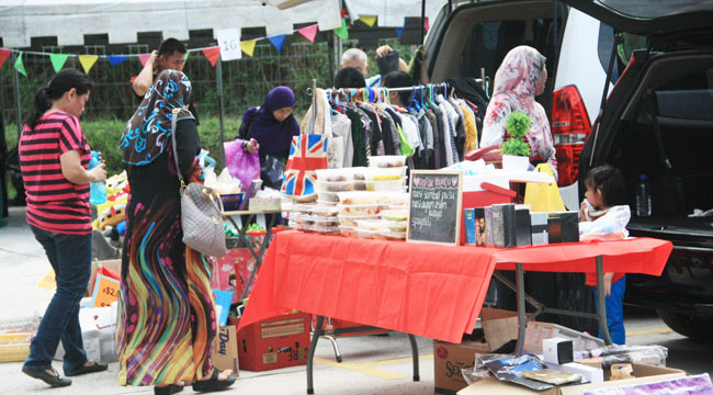 Friday Night Fever Fiesta Carboot Mobile Sales UTHM 2016