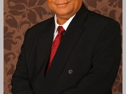 Profesor Madya Dr. Asri Selamat