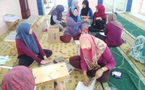 Gotong-Royong Masjid Seri Sabak Uni